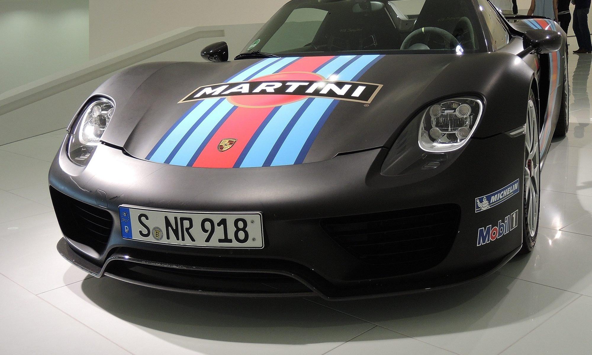 car-vehicle-museum-martini-sports-car-license-plate-972084-pxhere.com